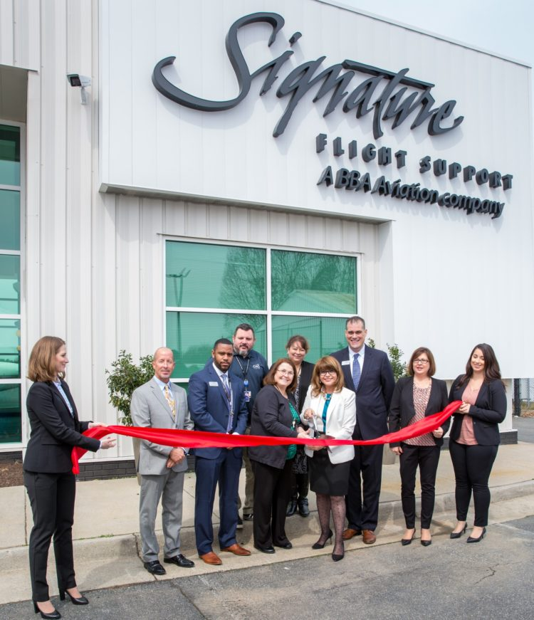 Signature Flight Support >> Signature Flight Support Unveils Renovated Private Aviation Facility
